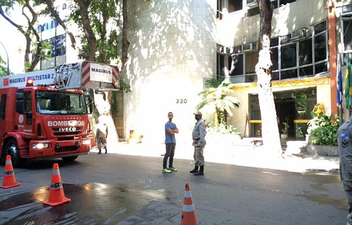 Incêndio em delegacia de polícia do Rio de Janeiro